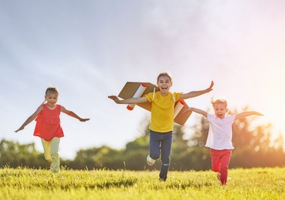 11 ways children benefit from having fewer toys