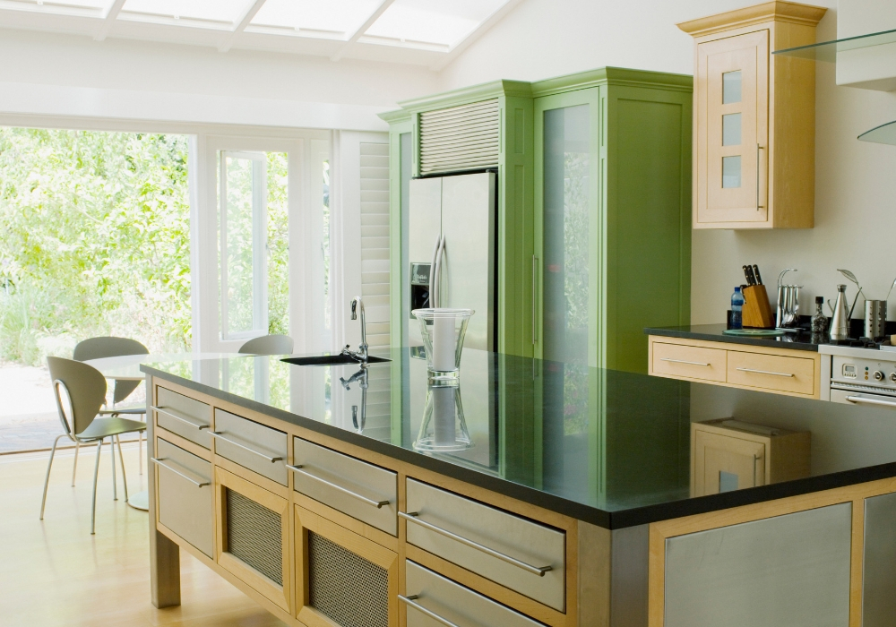 keep the worksurfaces clutter free