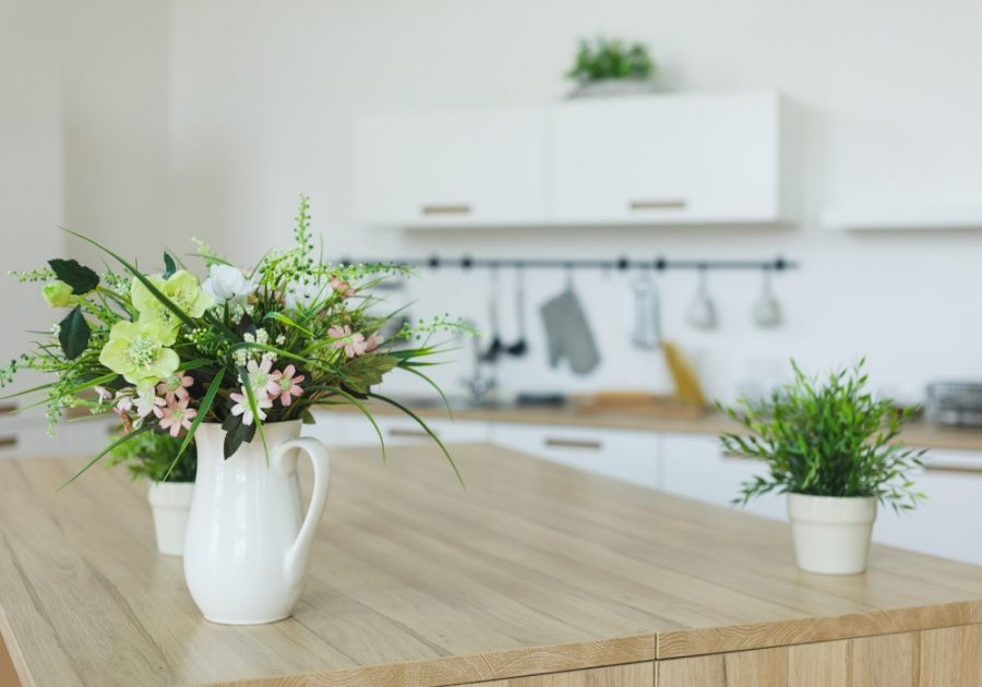 10 reasons to declutter your home
